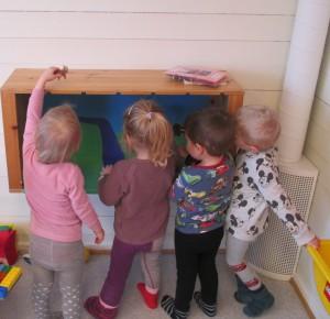 Barna leker Bukkene Bruse